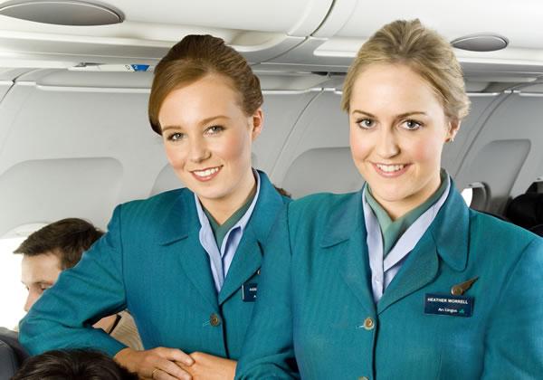 620-Stewardessy-Aer-Lingus